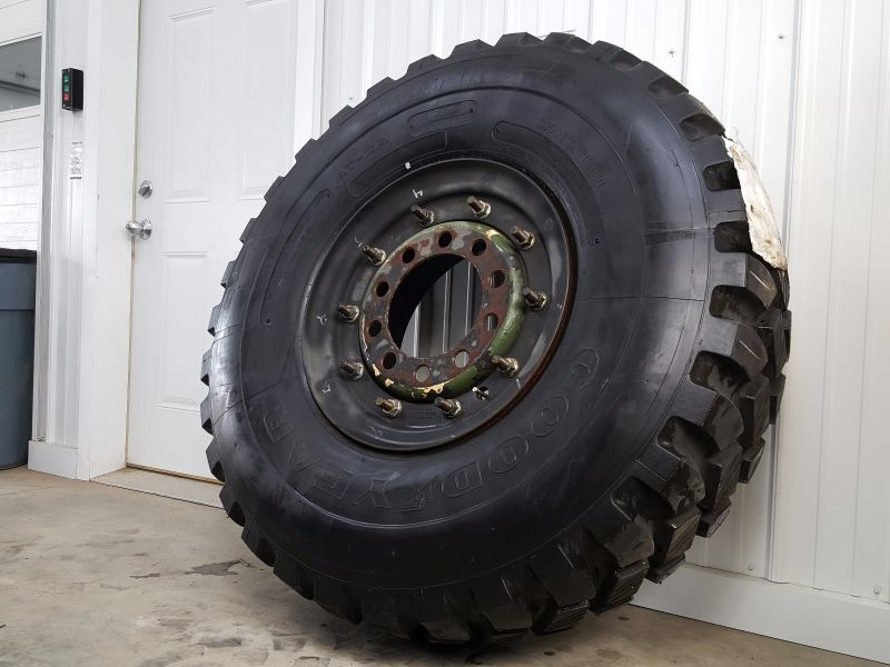 14 00 R20 - Goodyear AT-2A - 100% Tread on Steel Combat Wheel